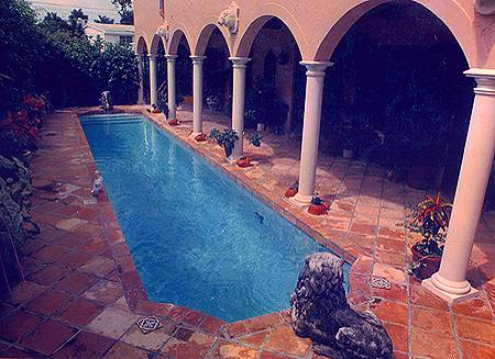 ديكورات حمامات سباحة lap.jpg
